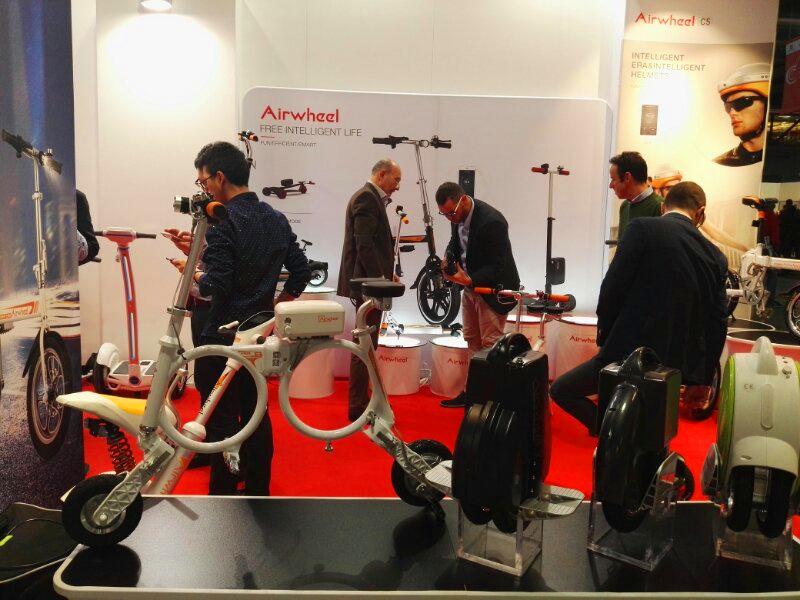 Airwheel Folding Smart Bike