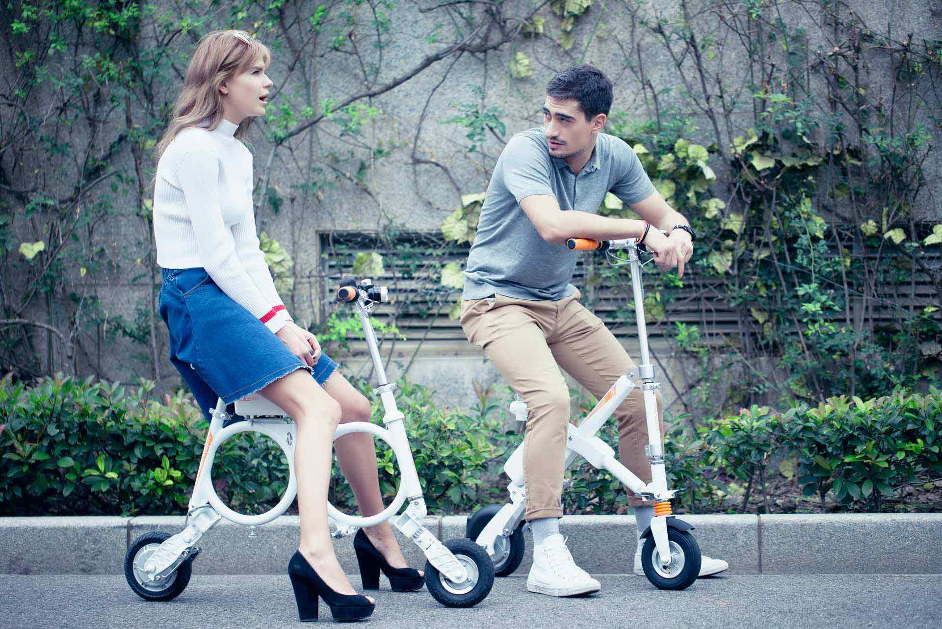 Airwheel foldable electric bike
