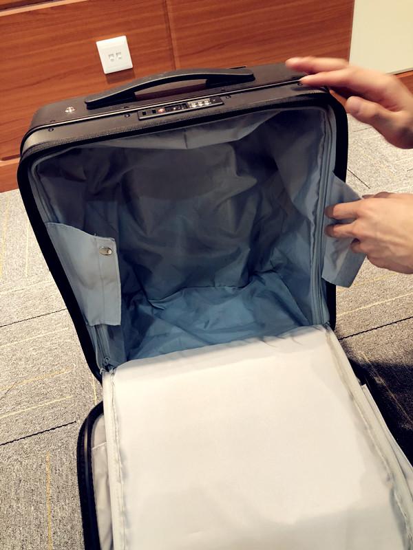 Airwheel_Self-driving_Suitcase