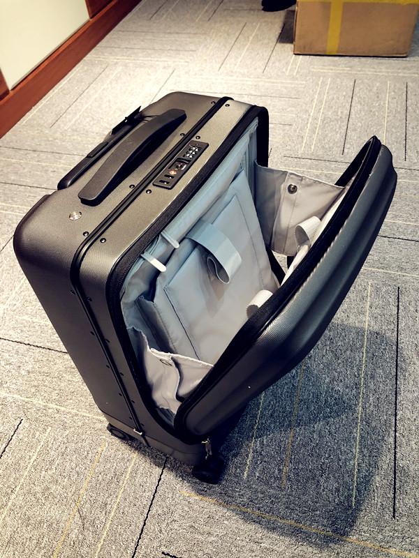 Airwheel_SR5_Self-driving_Suitcase_2