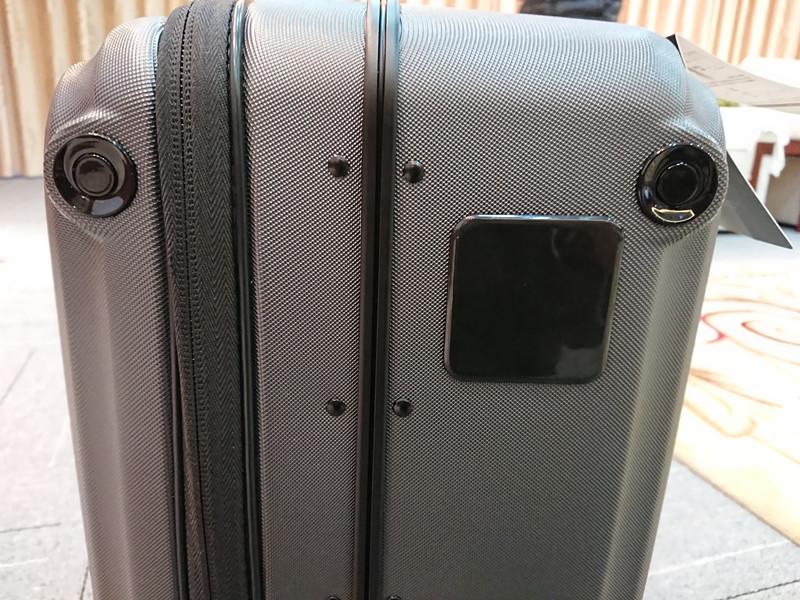 AirwheelSR5_following_Suitcase