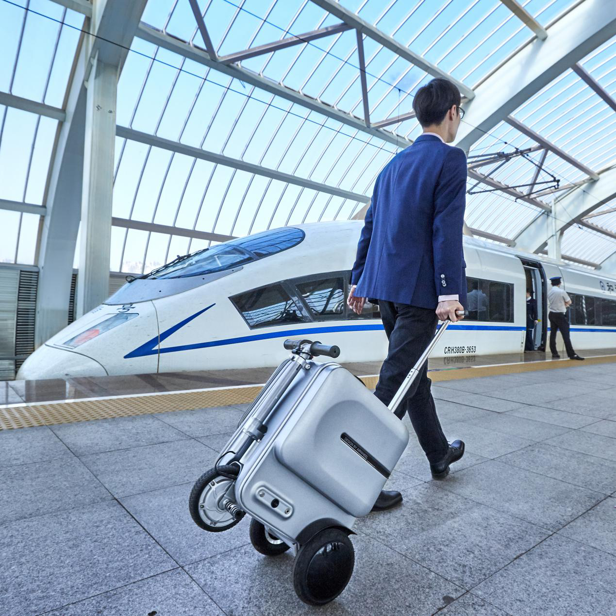 Airwheel rideable Luggage