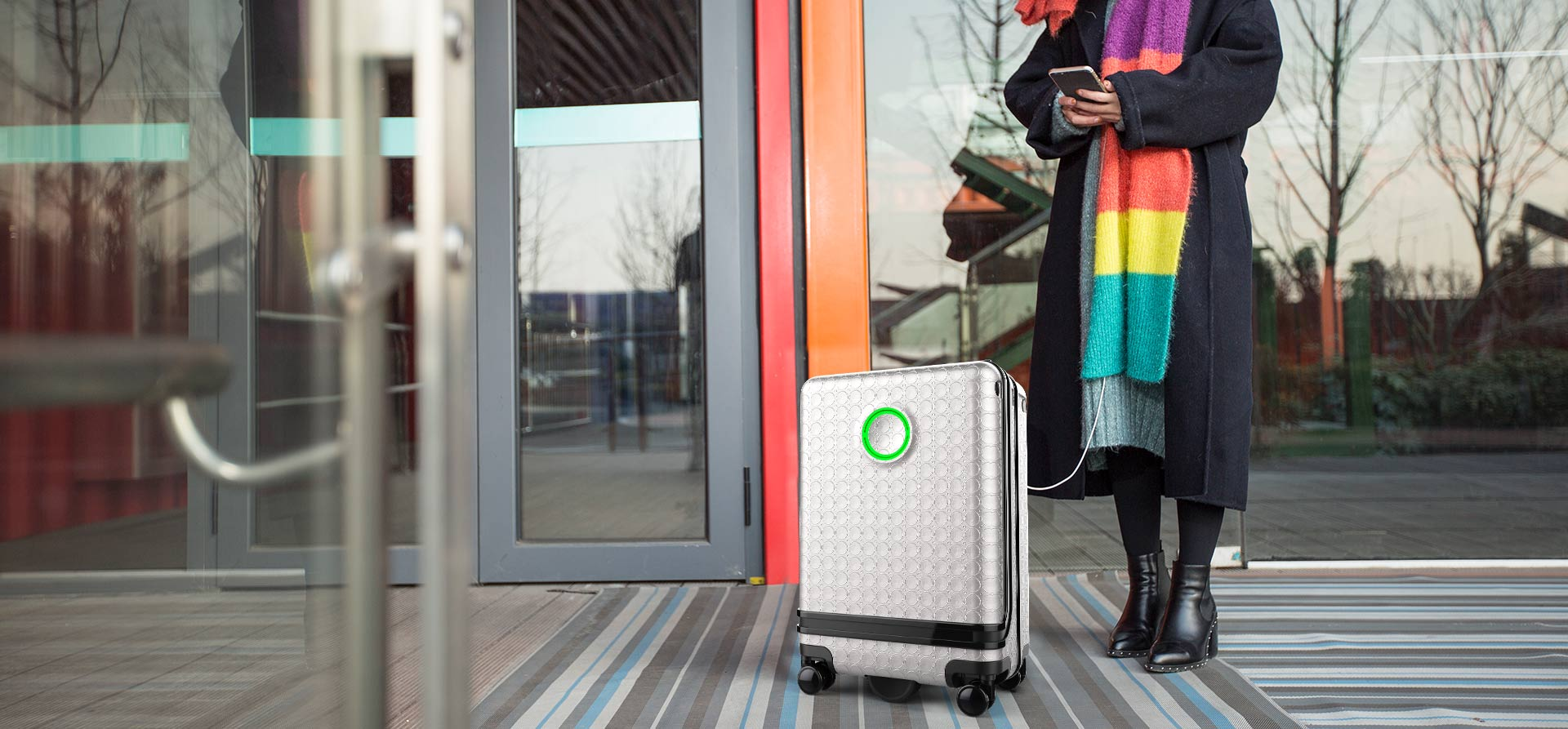 Airwheel SR5 hands-free suitcase