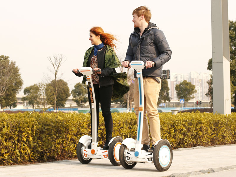 Airwheel, سكوتر كهربائي متوازن ذاتيا, دراجة إيرويل