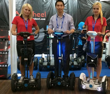 Thanks to the innovative intelligent experience, dashing exterior look, eco-friendly and energy-saving features, Airwheel self balancing electric unicycle became the spotlight of the exhibition.