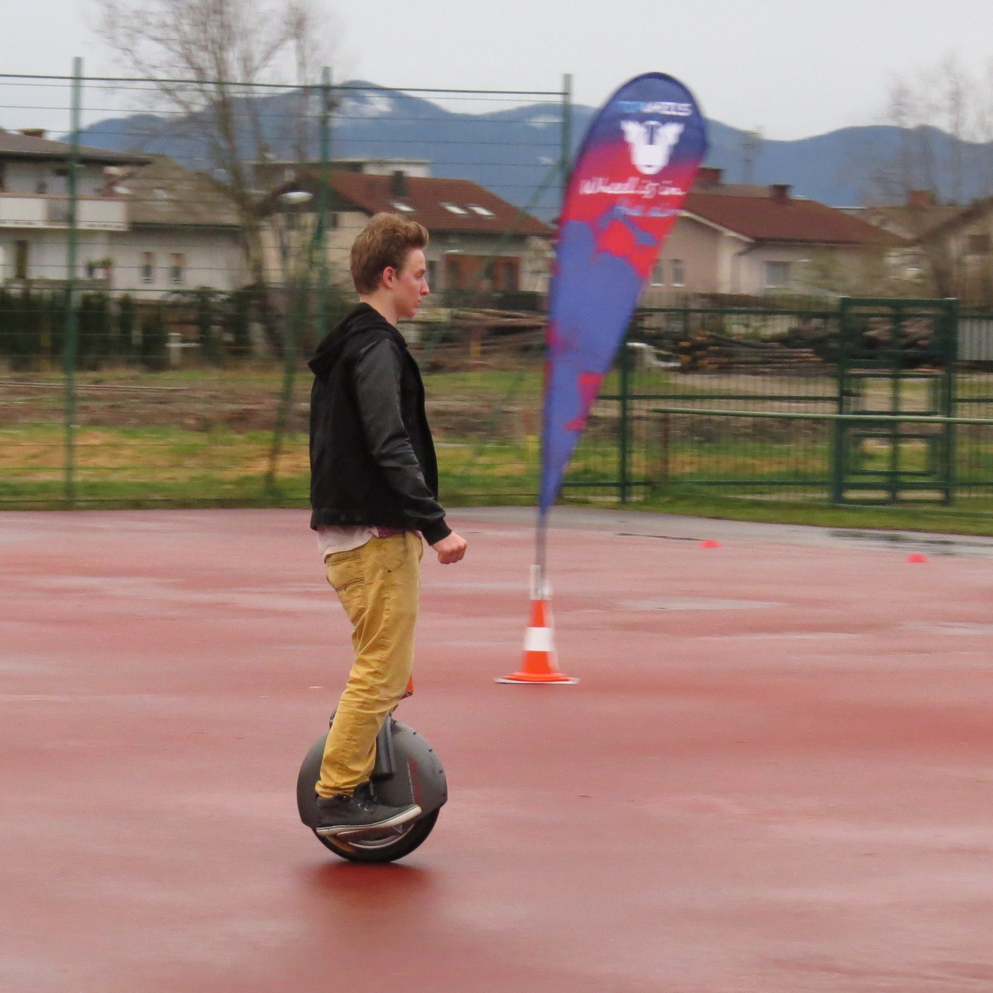 Airwheel X8, self-balancing scooter