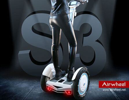 Recently, Airwheel Malaysian team showed their thrilling tricks of riding S3 in the square. Pedestrians around them were enthralled by the agility and intelligence of S3.