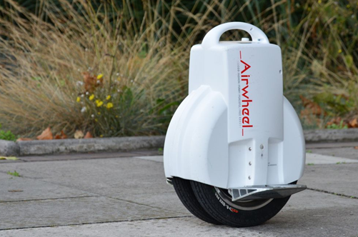 The Airwheel Q3 as a self-balancing electric unicycle, features the concise look and exclusive twin-wheel design. It outplays other similar products in motor efficiency and battery range.