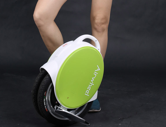 The Airwheel Q5 is a marvelous innovation that is both fun and useful. Due to its dual wheels, the Airwheel Q5 is more stable and easier to learn.