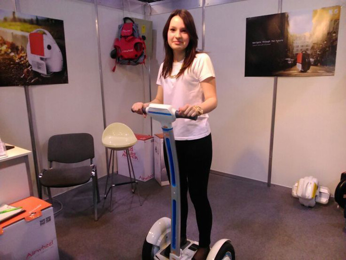 Airwheel Two-wheeled Intelligent Self-balancing Scooter is Leading the Market for Premium quality.