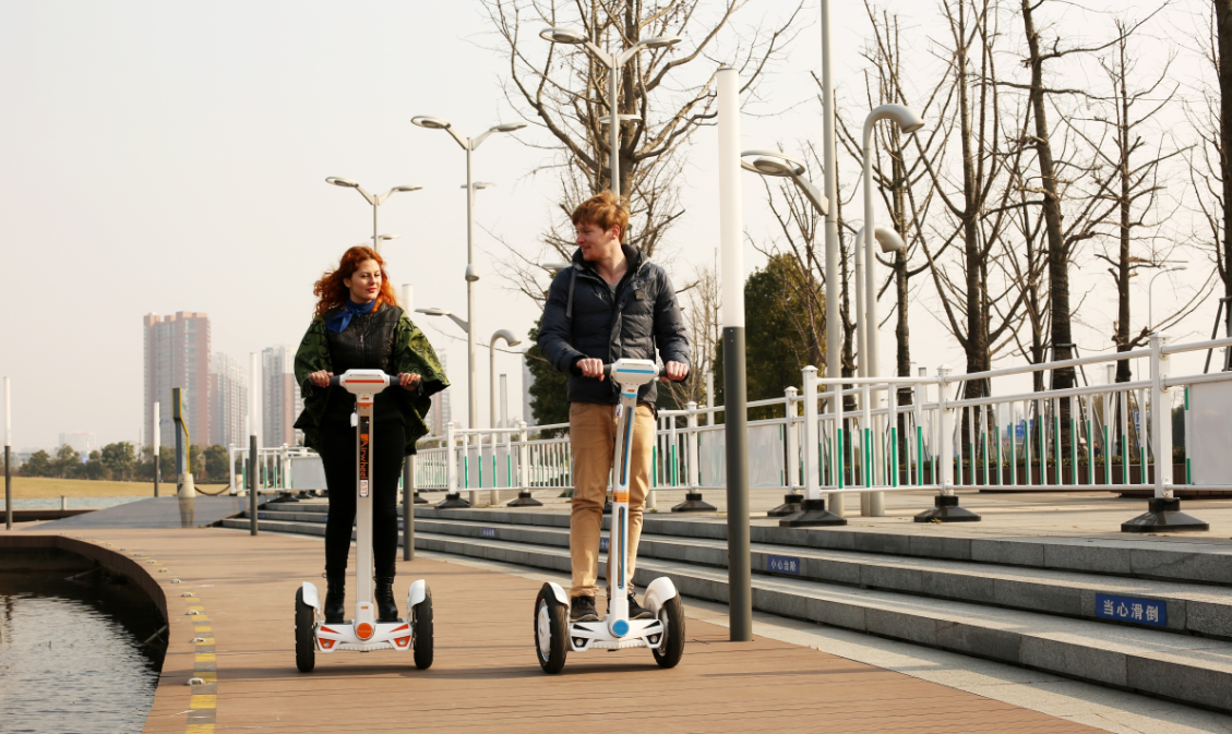 Airwheel Two-wheeled Intelligent Self-balancing Scooter is Leading the Market for Premium quality