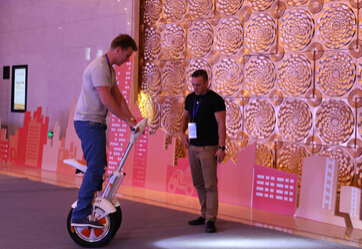 Two Self-balancing Scooters Debut on Airwheel 2015 New Products Release Conference