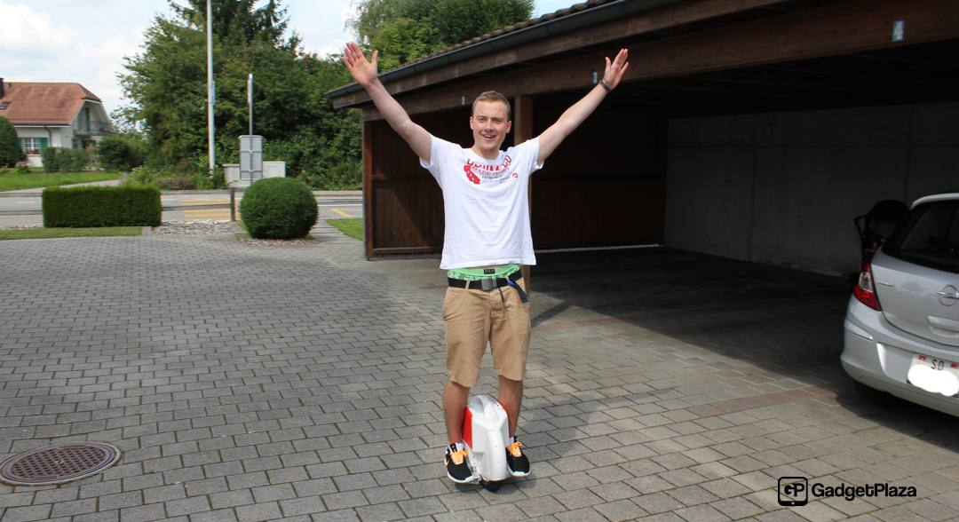 How About Riding Airwheel X6 Electric Unicycle to Appreciate Places of Interest