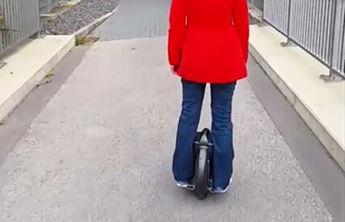 the scooter with one wheel,airwheel,Airwheel x8