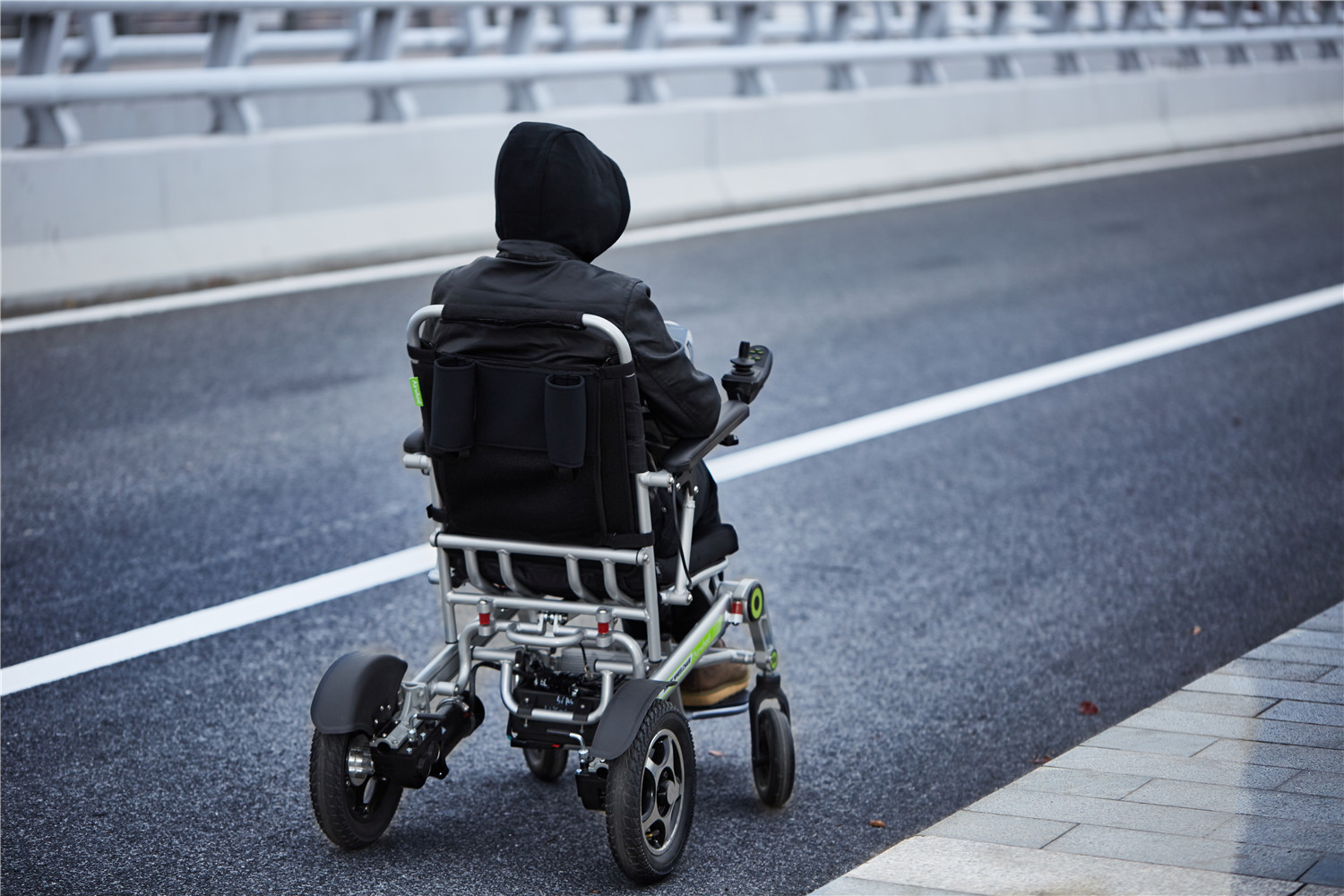 Airwheel H3S vehicle for disabilities