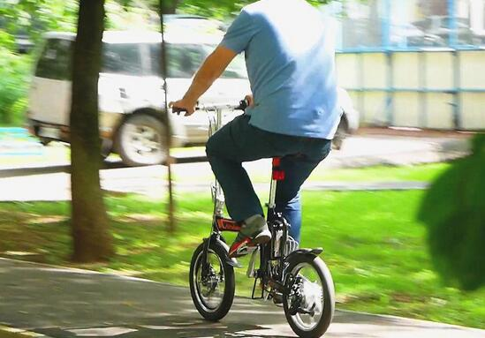 Airwheel R5 smart ebike