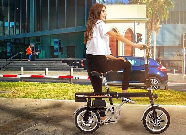 Airwheel R6 portable electric bike