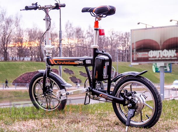 Airwheel R series electric bike