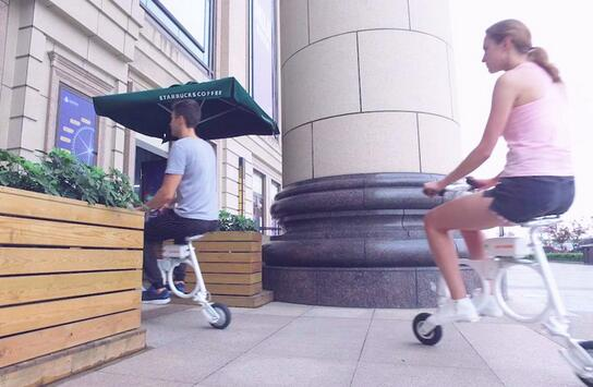 What's more, Airwheel E6 is fairly convenient for the young people. This explains its great popularity.