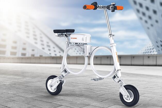 Airwheel once again developed an electricity-assisted bike.