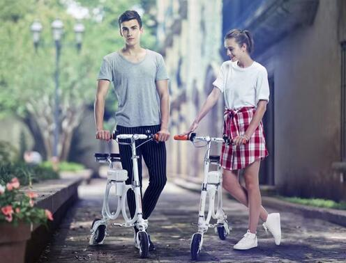 Nowadays, Airwheel once again rolled out a series of new products, S8 and backpack electric bicycle E3 included