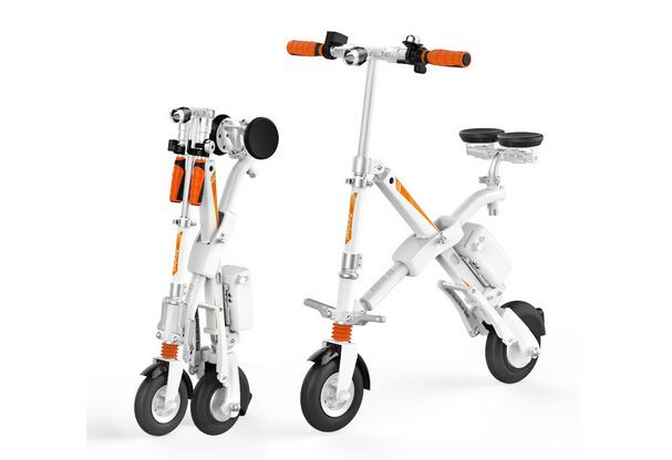 Airwheel electric bike uses high quality accessories like branded lithium battery and the famous tire brand.