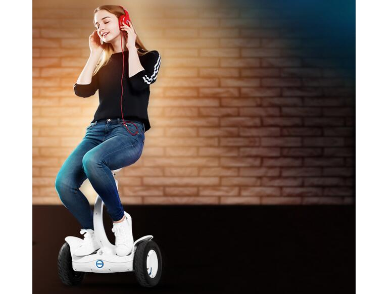 Airwheel S8 sitting-posture electric scooter, as a new product of Airwheel, impresses users with the cute externality and dual ride modes.