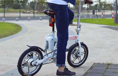 Airwheel R5 electric moped bicycle will satisfy all people's desires and help people release their wildness in leisure time.