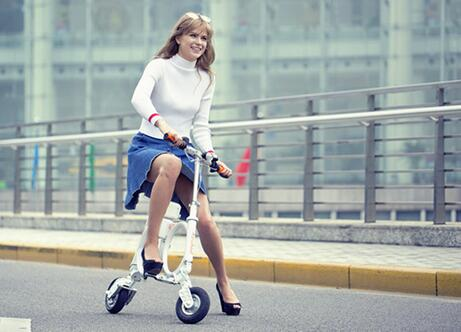 Airwheel electric bike is a high-tech and fashionable commuting vehicle customized for urbanites.