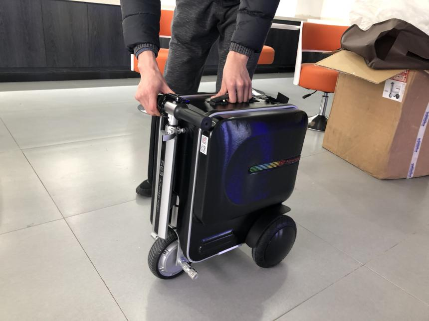 Airwheel SE3 rideabled Luggage