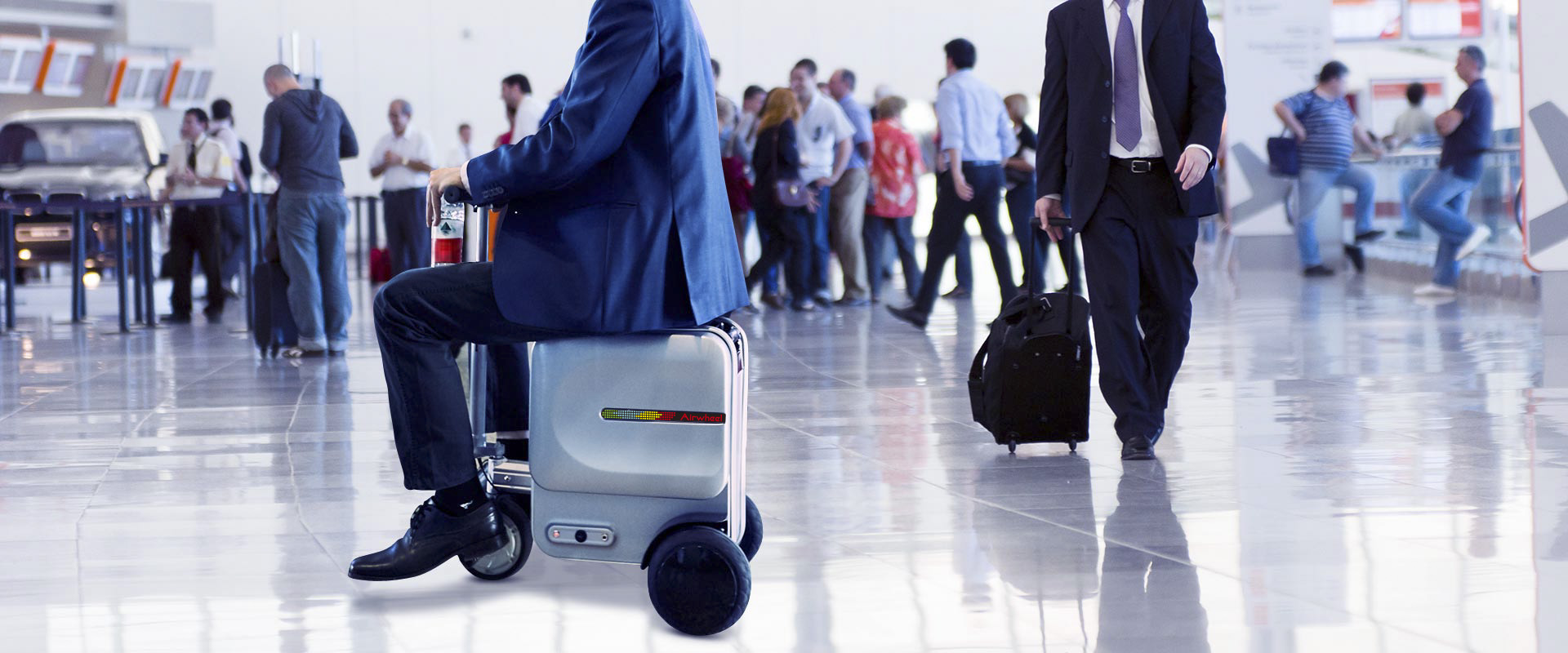 Airwheel SE3 motorized suitcase