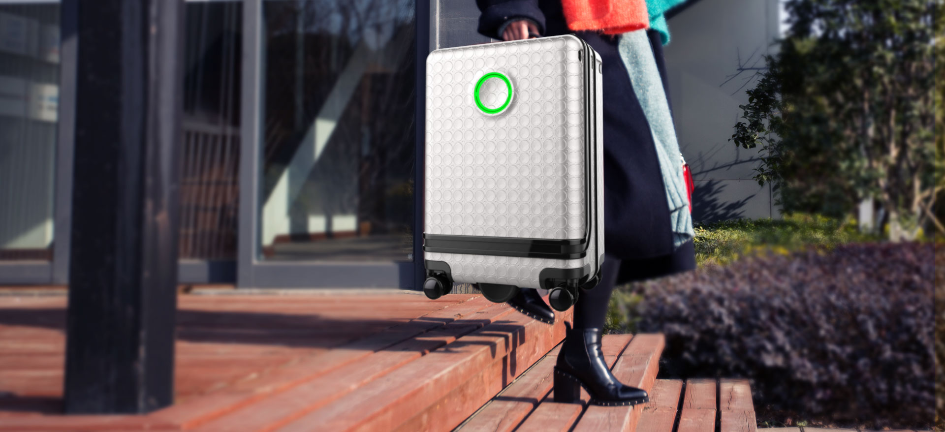 Airwheel SR3 smart autonomous suitcase