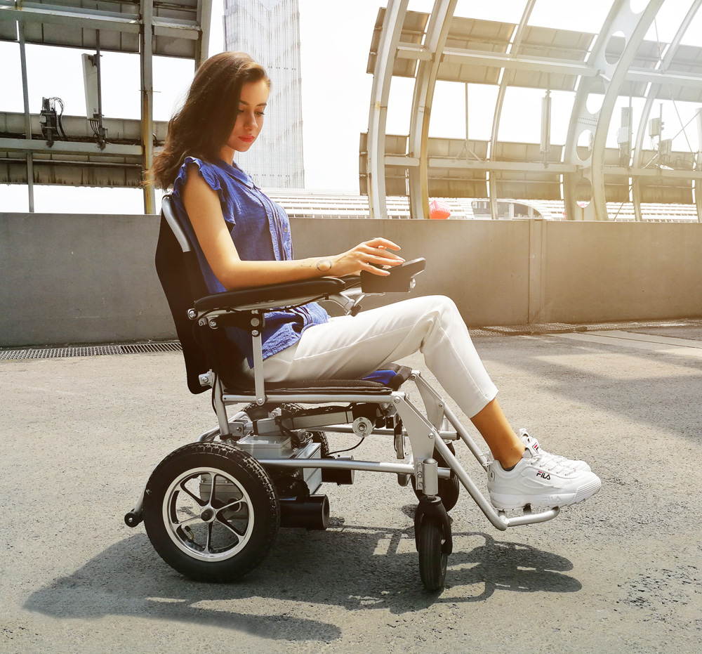 Airwheel H3Mini remote wheelchair