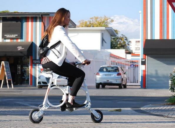 Airwheel ebike gives out a stronger sense of sport and fashion