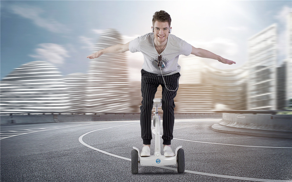 Airwheel S8 scooter eléctrico