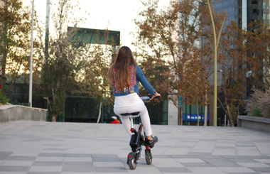 Airwheel E6 E6 Folding Smart E Bike in Chile.