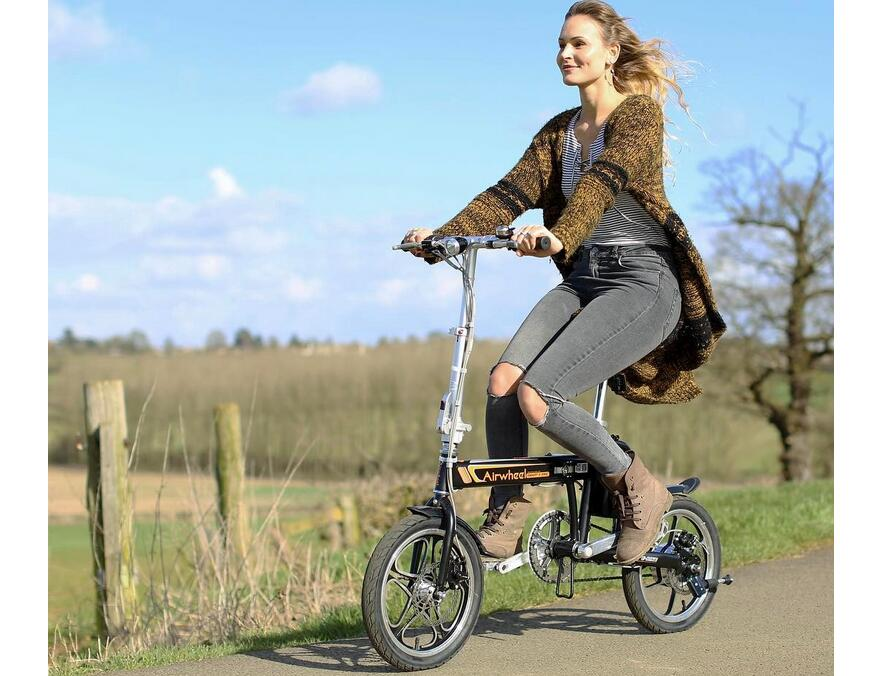 the Advantages of Riding Airwheel smart electric bike